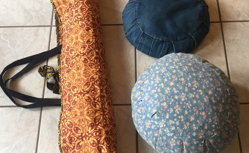 Sewing your own yoga gear, yoga mat bag, meditationpillow